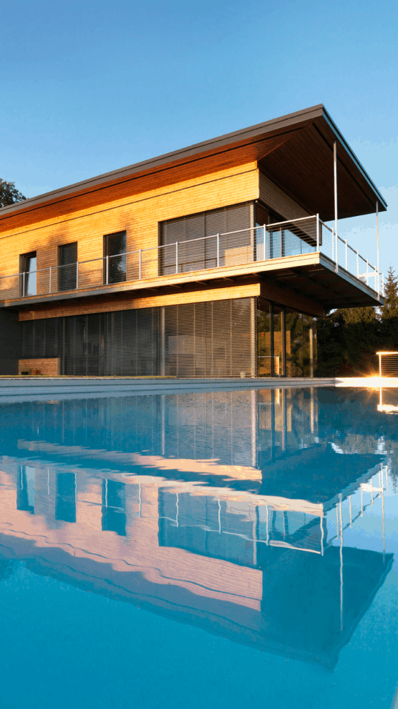 Dieses außergewöhnliche Massivholzhaus in Oberösterreich wurde zu Österreichs beliebtestem Holzhaus gewählt.