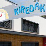 Die Kinderkrippe Kiredaki in Graz besticht durch ein einzigartiges Ambiente in modernem Design aus Massivholz-Elementen