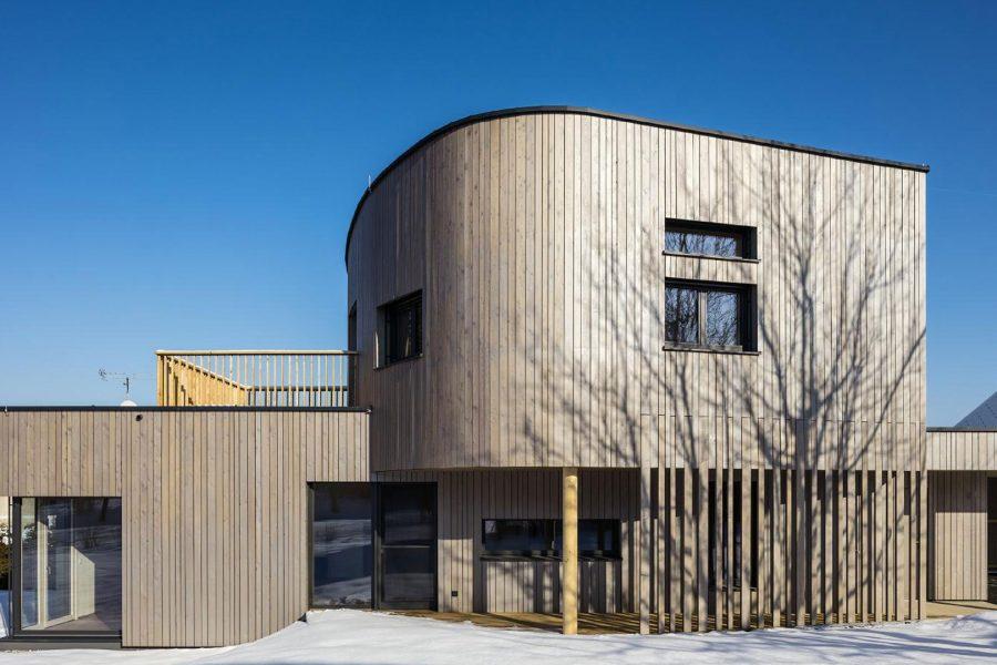 Stylischer Wohntraum aus Holz