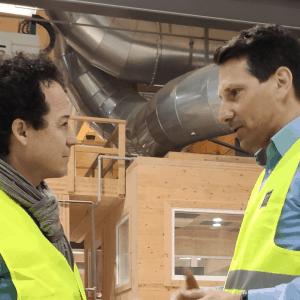 Rainer Schönfelder besucht mit Peter Steinbauer das Werk in Ybbs