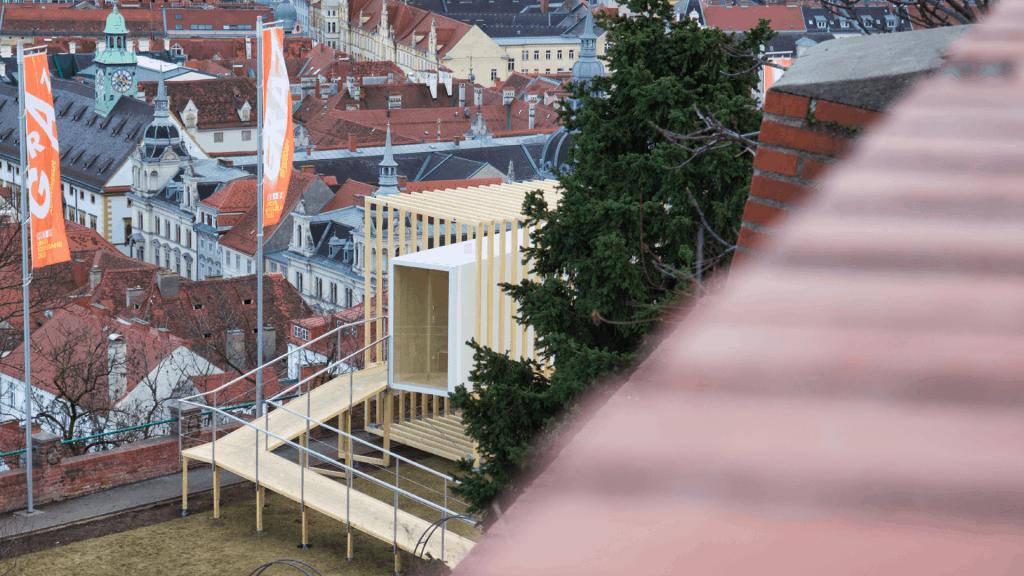 Blick vom Uhrturm zum Vigil Graz