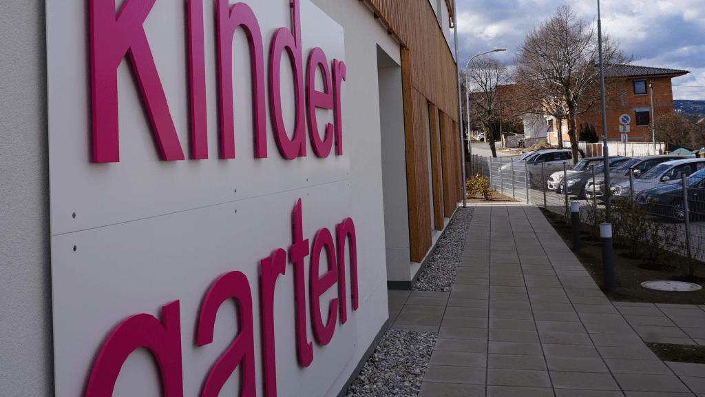 Nachhaltiger Kindergarten im Massivholzbau